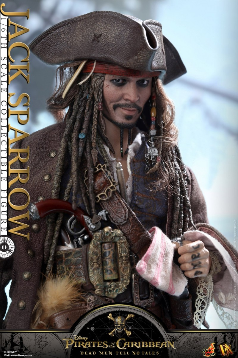 Hot-Toys---POTC5---Jack-Sparrow-collectible-figure_PR13.jpg