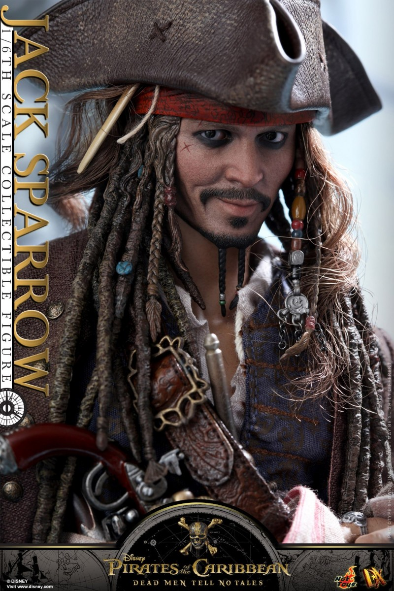 Hot-Toys---POTC5---Jack-Sparrow-collectible-figure_PR14.jpg