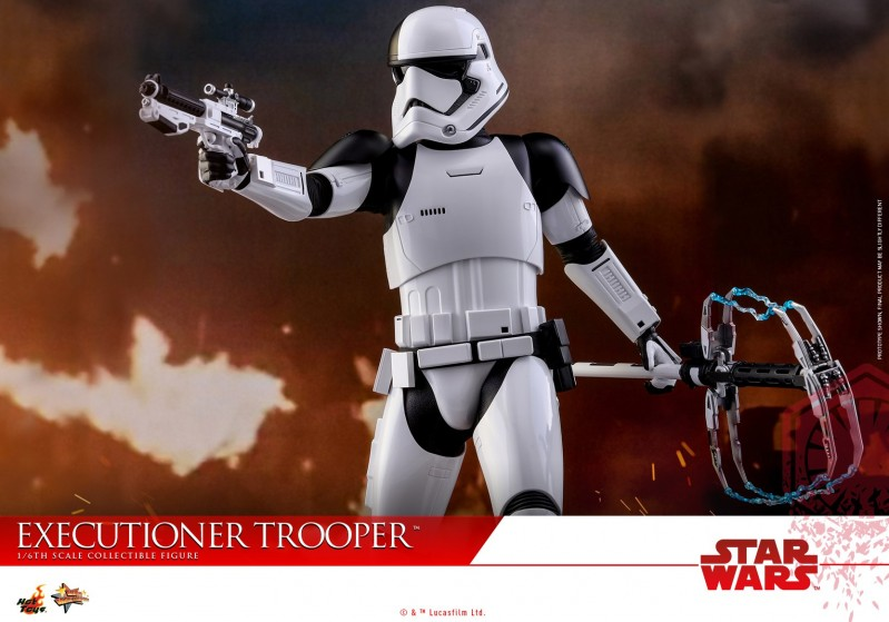 Hot Toys - SWTLJ - Executioner Trooper Collectible Figure_PR11.jpg