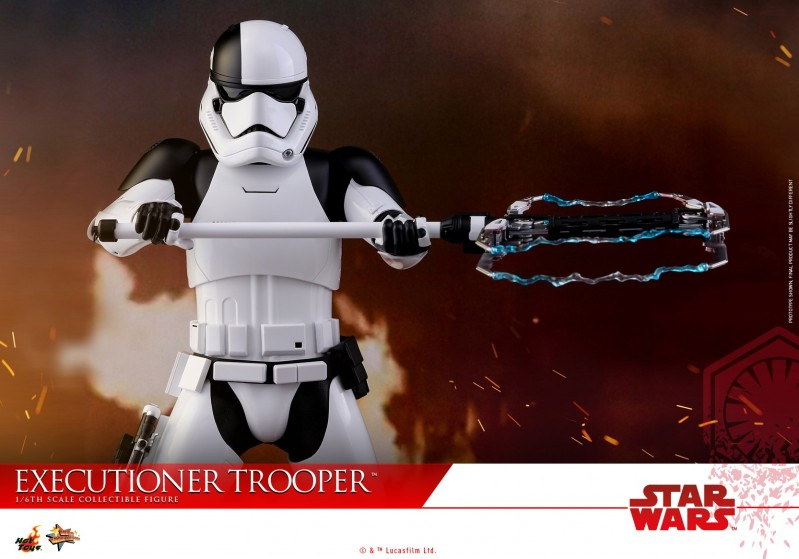 Hot Toys - SWTLJ - Executioner Trooper Collectible Figure_PR12.jpg