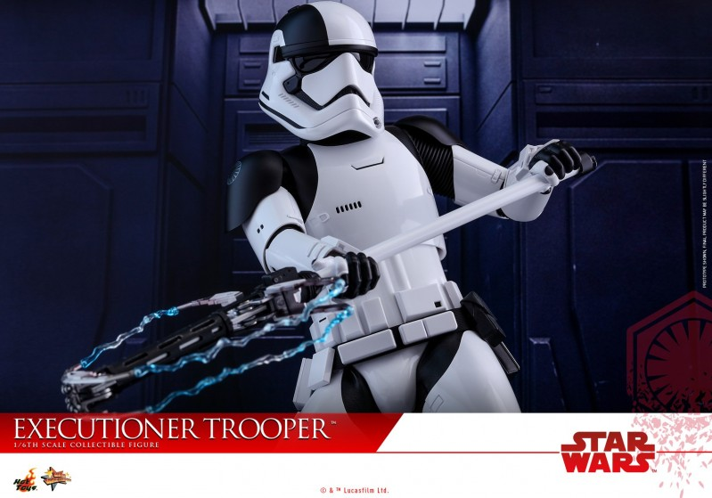Hot Toys - SWTLJ - Executioner Trooper Collectible Figure_PR15.jpg