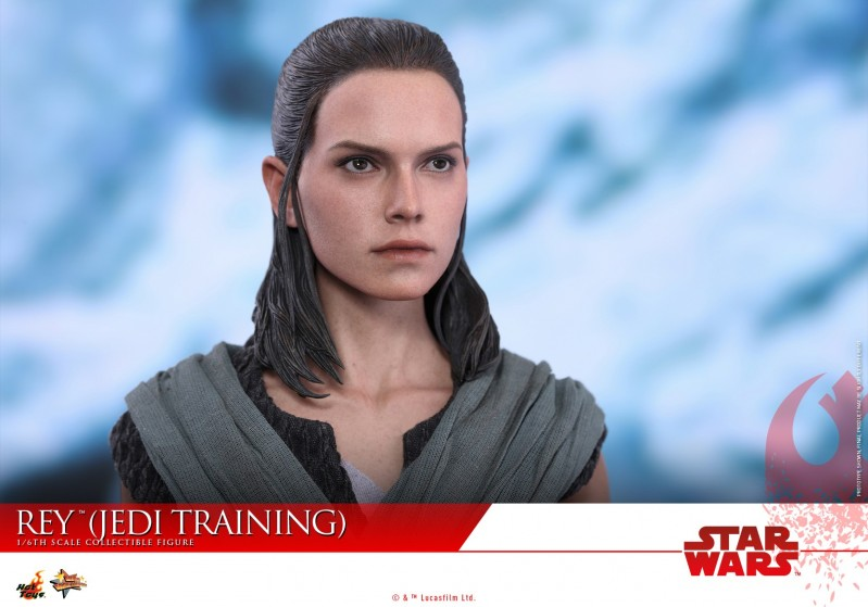Hot Toys - SWTLJ - Rey (Jedi Training) collectible figure_PR19.jpg
