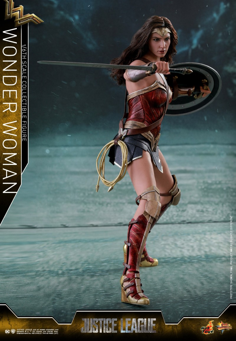 Hot-Toys-Justice-League-Wonder-Woman-collectible-figure_PR2.jpg