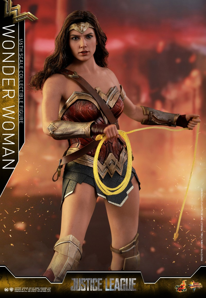 Hot-Toys-Justice-League-Wonder-Woman-collectible-figure_PR4.jpg