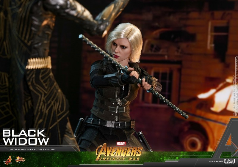 Hot Toys - AIW - Black Widow Collectible Figure_PR16.jpg