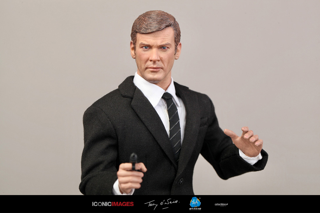 DID Roger Moore Officially Licensed Action Figure 16.jpg