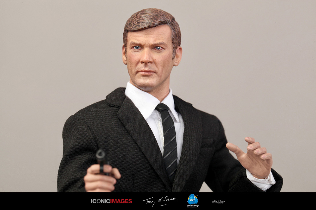 DID Roger Moore Officially Licensed Action Figure 24.jpg