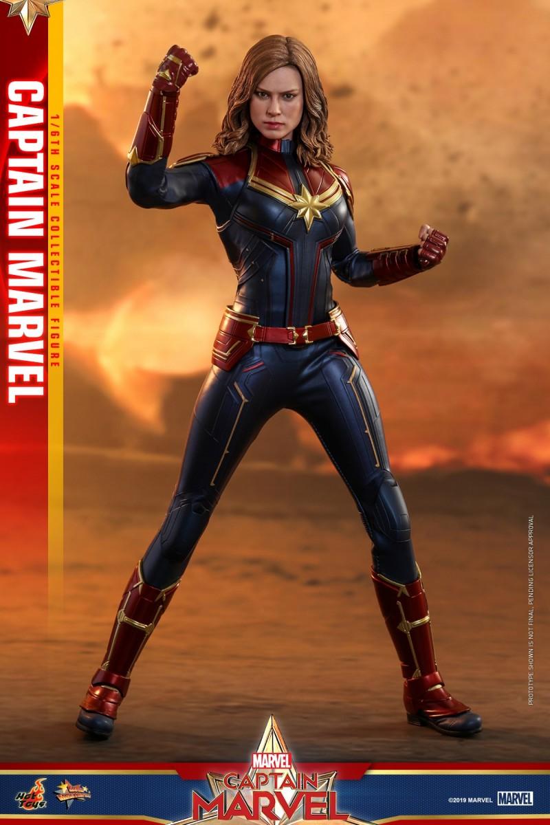 Hot Toys - Captain Marvel - Captain Marvel collectible figure_PR2.jpg