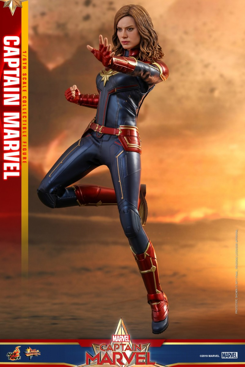 Hot Toys - Captain Marvel - Captain Marvel collectible figure_PR3.jpg