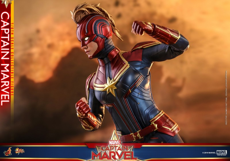 Hot Toys - Captain Marvel - Captain Marvel collectible figure_PR14.jpg