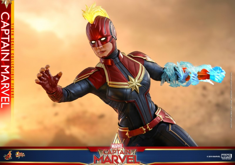 Hot Toys - Captain Marvel - Captain Marvel collectible figure_PR13.jpg